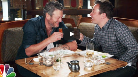 Blake Shelton Tries Sushi for the First Time