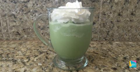 How to Make a Matcha Green Tea Shake